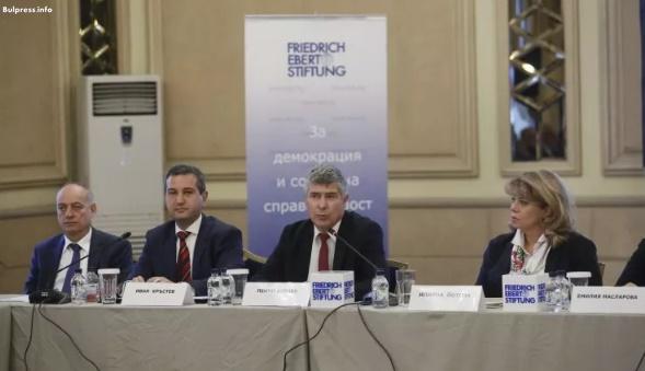 Доц. Георги Йорданов: Да бъдат създадени мотиви българите зад граница до се върнат в България