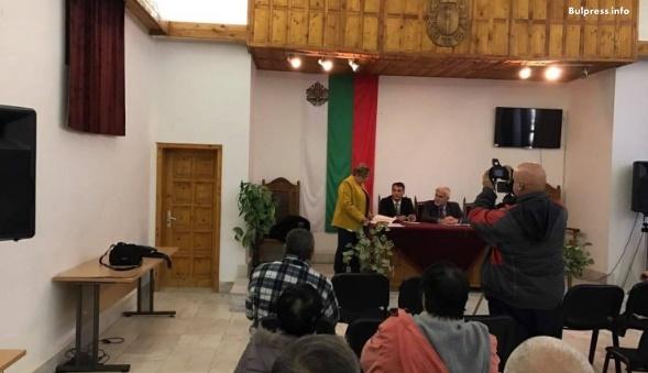 """Жителите на Котел, Чирпан и Раднево дадоха своите предложения по """"Визия за България"""" и подкрепиха предложенията на левицата"""