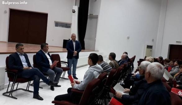 Жителите на Кубрат: Как е възможно, в демократична държава, и директорските назначения да бъдат политизирани?