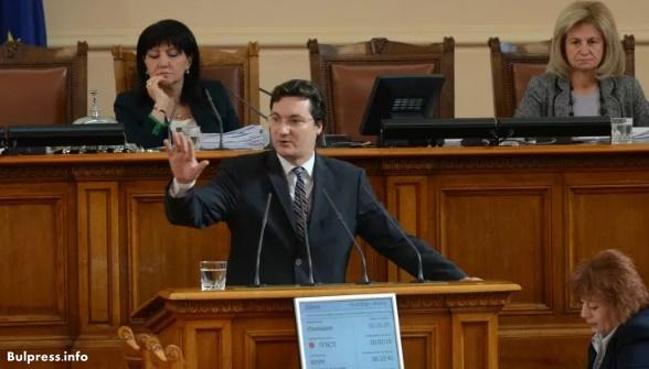 Крум Зарков: Народният представител не е гумен печат на предварително взети решения