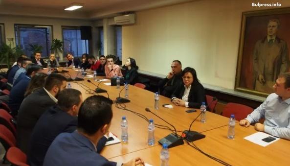 """50 млади българи стават депутати за един месец в ПГ на """"БСП за България """""""