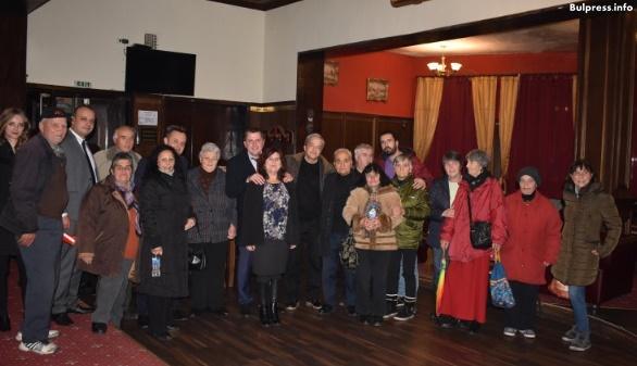 Жители на Брезник към депутатите от БСП: Върнете справедливостта на хората, защото държавата е абдикирала
