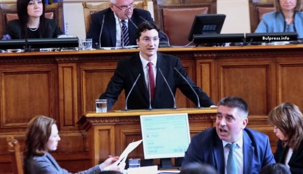 Крум Зарков: Когато хората искат смяна на системата, те искат честност в политиката