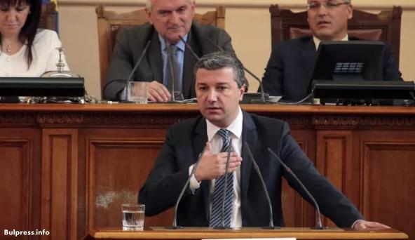 Драгомир Стойнев: БСП е единственият стабилен политически фактор