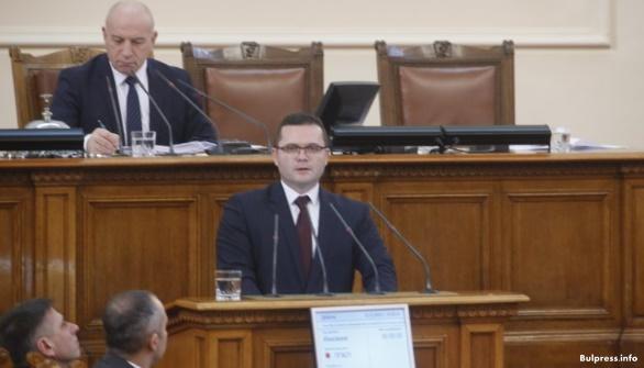 Пенчо Милков към управляващите: Според Конституцията частната собственост е неприкосновена, защо й посягате?