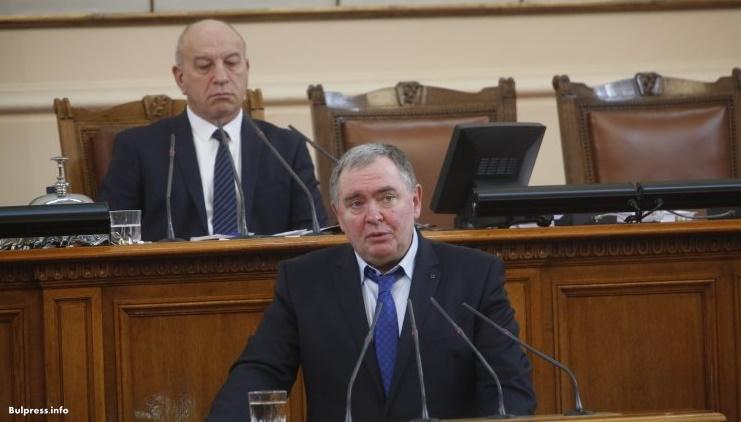 Проф. Михайлов към министър Ананиев: Имаме нужда от държавна визия за лечение на хората с редки заболявания, а не участие на НЗОК