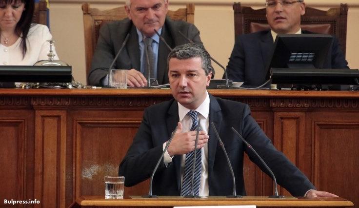 Драгомир Стойнев: Законът за горивата се отлага, за да има сива икономика?