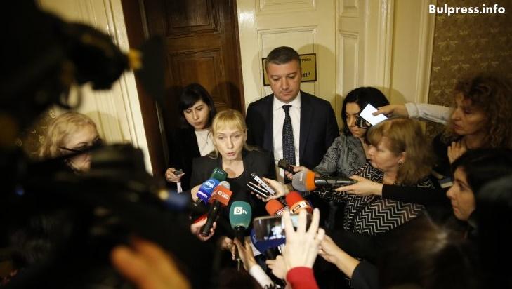 """Елена Йончева: Готови сме да внесем в прокуратурата сигнала """"Ало, Банов съм"""""""