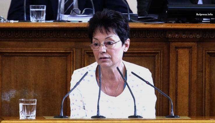 Ирена Анастасова: Атакуват Елена Йончева заради възможността да бъде номинирана за евродепутат