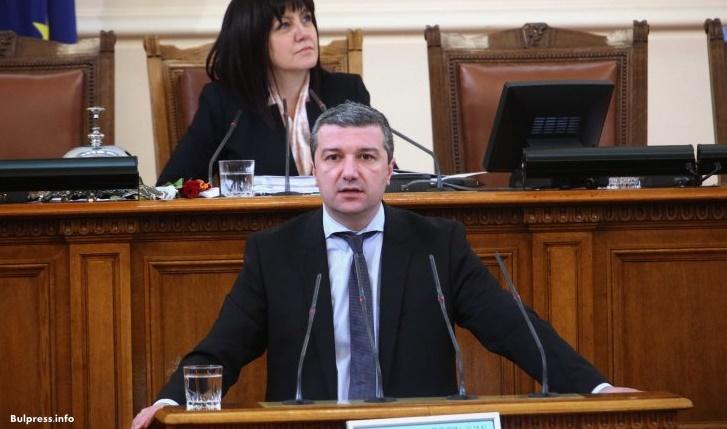 Драгомир Стойнев: Елена Йончева стана подсъдима, защото изнесе факти