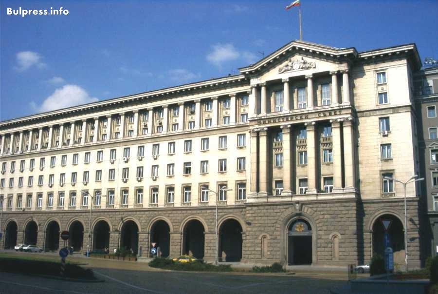 Правителството толерира кметове на ГЕРБ и ДПС (Справка)