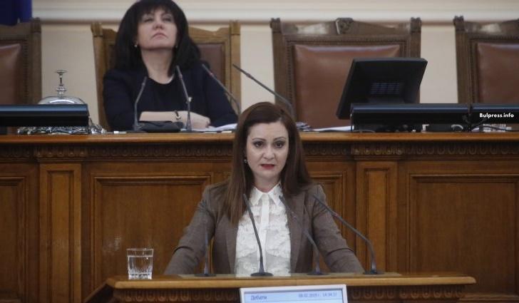 Желева пита министър Петков: Каква е визията ви за предлаганите от работодателите промени в трудовото законодателство?