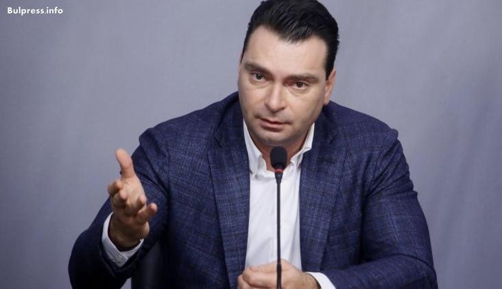 Калоян Паргов: Елена Йончева ясно показа един от десетките примери- как се харчат публичните пари