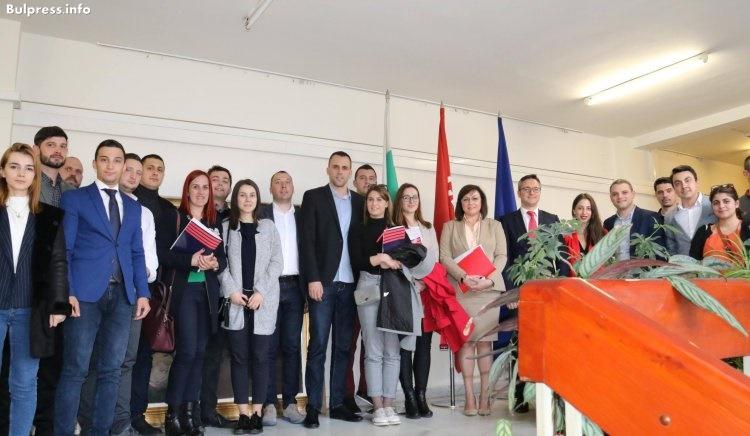 Корнелия Нинова: Обсъдихме много свежи и модерни идеи с млади лидери от балканските държави
