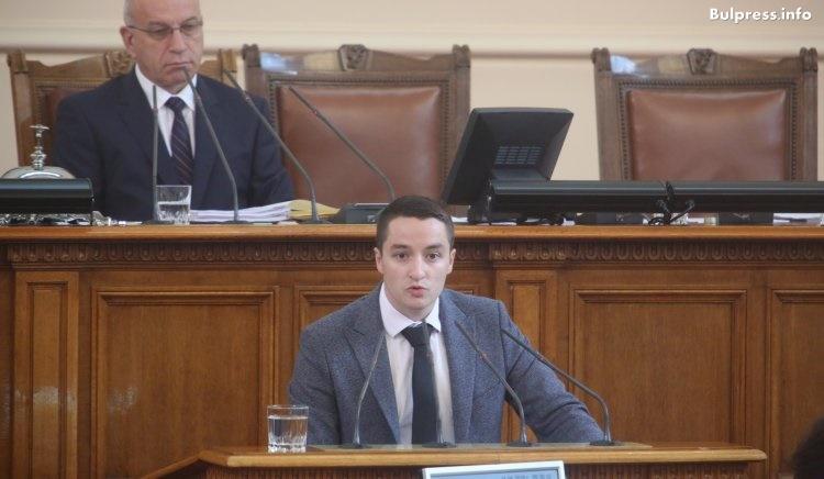 Явор Божанков за апартаментите: Г-н Борисов, не е светнала лампа, а е гръмнала заря над главата на Цветанов
