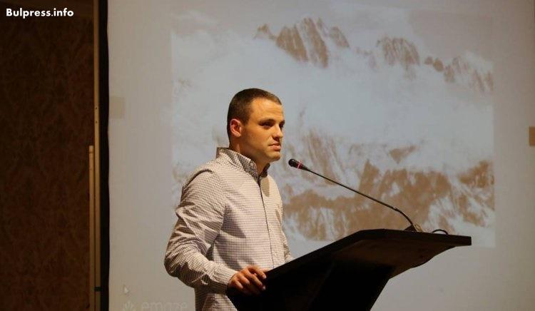 Николай Бериевски: Трябва да обясним на младите хора, че бъдещето е в ръцете им