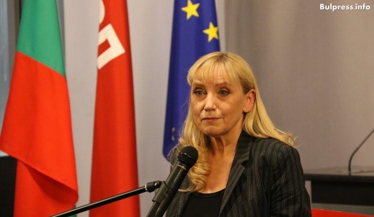 Елена Йончева: АПИ не желае да бъде извършена независима проверка на българските пътища