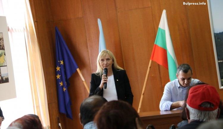 Елена Йончева: Искаме България да бъде справедлива и просперираща