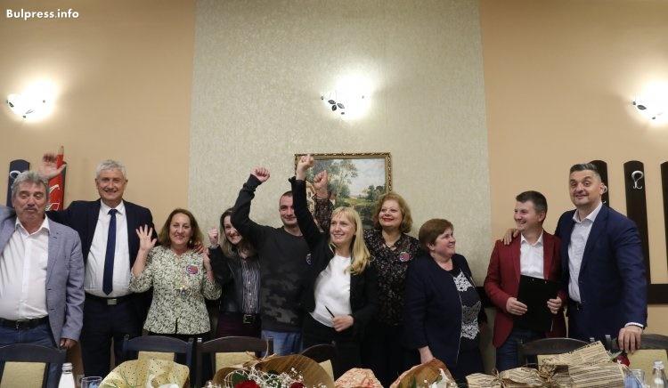 Елена Йончева в Мездра: Защо Северозападна България е най-изоставащият регион? Къде отиват милиардите от Европа?