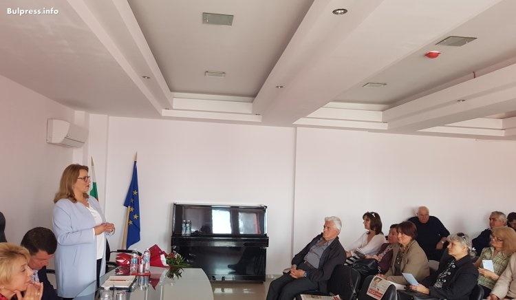 Деница Златева в Свиленград: Време е да покажем, че българите не сме втора ръка европейци!