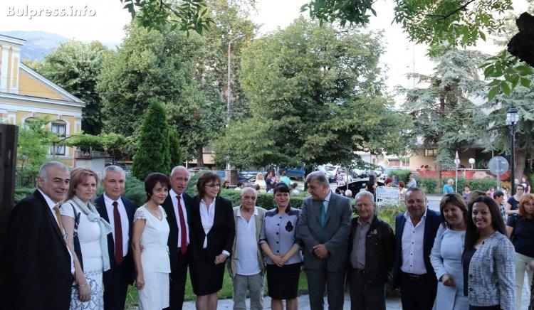 Корнелия Нинова: Правителството на Бойко Борисов е заплаха не само за 5 млн. българи, а и за националната и европейската сигурност