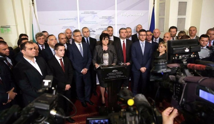 Корнелия Нинова: Искаме оставката на Главчев, като председател на НС