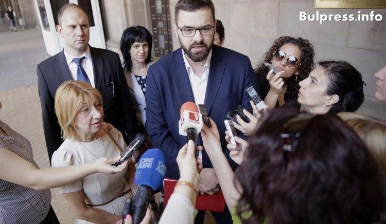 Стоян Мирчев: Образователният закон е кух, атакуваме го в Конституционен съд, внесли сме поправки в НС