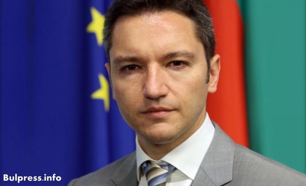Кристиан Вигенин: Борисов да дойде в НС и да ни информира за дипломатическата война