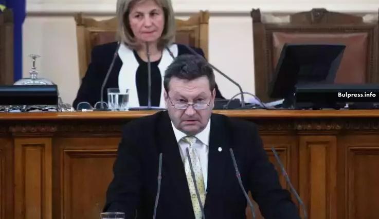 Таско Ерменков: С какви пълномощия Върбакова представлява държавата по сделката с ЧЕЗ в Чехия?