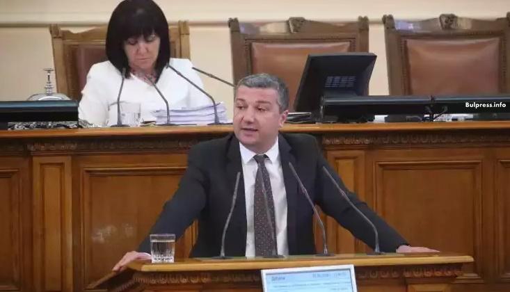 Драгомир Стойнев към управляващите: Поведението ви е удар срещу парламентаризма