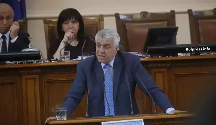 """Проф. Гечев за промените в закона за приватизация: Управляващите не спасяват """"редник Райън"""", а спасяват генерал Борисов"""