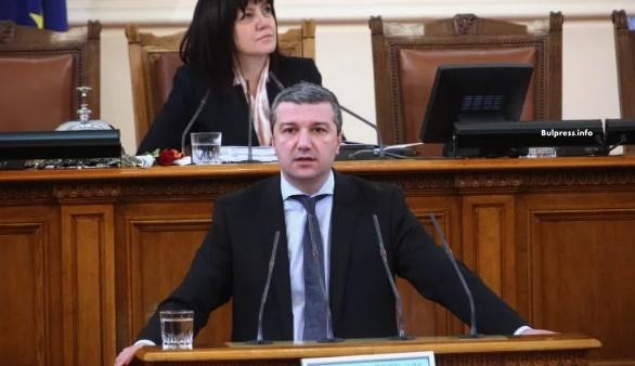 Драгомир Стойнев: Чертаем нов път, по който България да върви