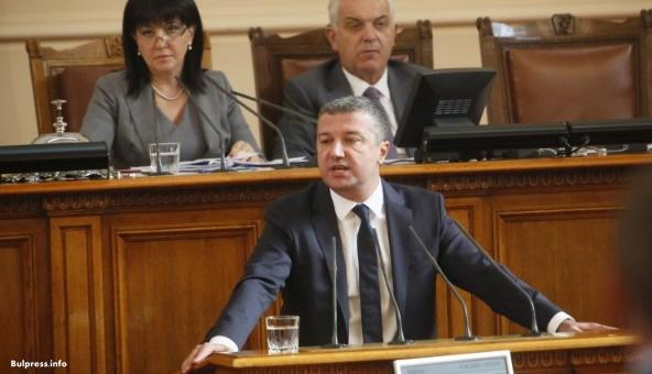 Стойнев към Валентин Радев: Как за пореден път чужденци влизат в България без граничен контрол и подслушвани ли са европейски политици?