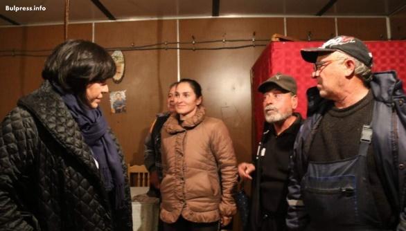 Корнеля Нинова в Шарково: Убиха животните без причина, съсипаха живота на хората и забравиха, но ние не сме. Виновните ще носят отговорност