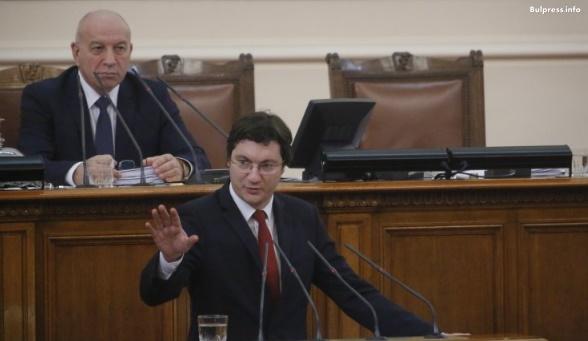 Зарков: Алтернативата е само една - нови избори и хора, които да вдъхнат живот на българските демократични институции