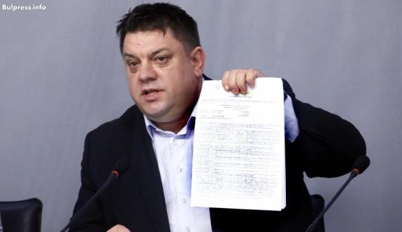 Атанас Зафиров: През последните три години българските военнослужещи са хранени без да има обявена обществена поръчка