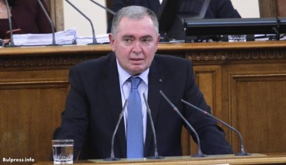 Проф. Михайлов: Необходима е нова философия на управлението на здравеопазването, а управляващите не дават такава