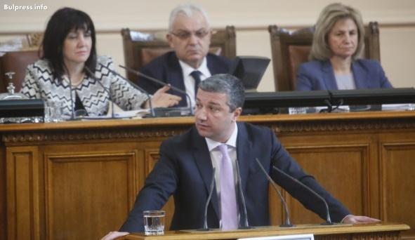 Драгомир Стойнев: Човешките животи на пътя не се спасяват с бюрокрация и администрация