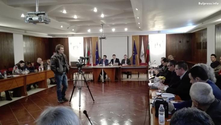 Момчил Неков в Русе: За проблема с африканската чума трябва да се говори на всички нива