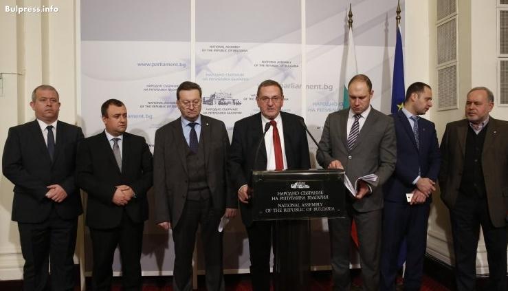 Николай Цонков: Прокуратурата да провери договор за охрана на 12 поделения с опасни вещества и боеприпаси