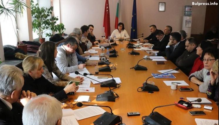 """Съвместно заседават ИБ на БСП и ръководството на ПГ на """"БСП за България"""""""