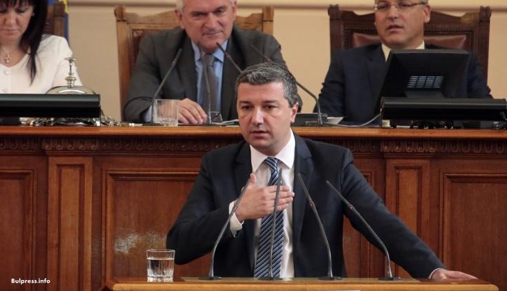 Драгомир Стойнев: България не е атрактивно място за инвестиране, но това можем да го променим