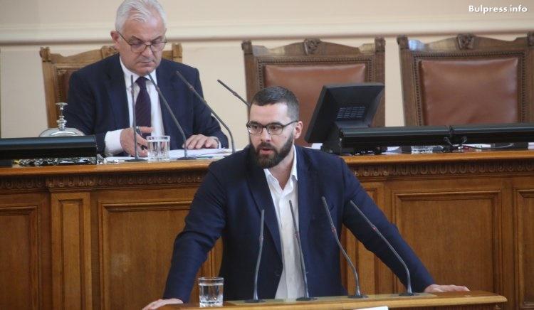 Стоян Мирчев: Докато България трупа присъди заради Цветанов, той трупа апартаменти