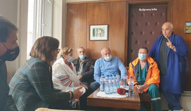 Корнелия Нинова от Берковица: Борим се за регионализация на здравеопазването и задържането на младите лекари